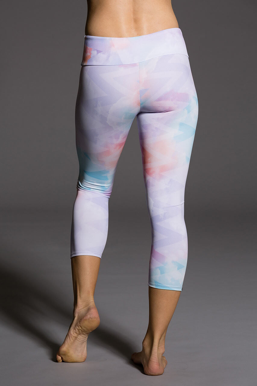Image of   Onzie Capri Pant Candy Cloud-S